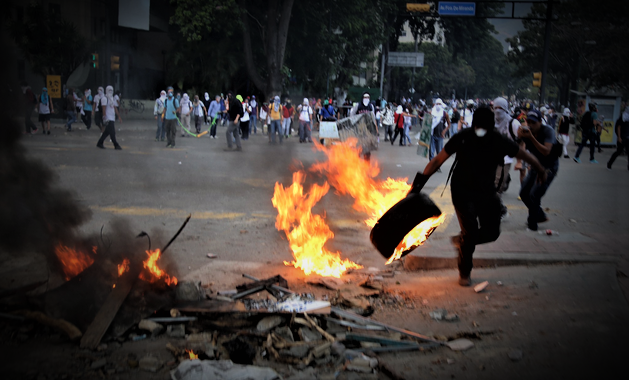 SOCIALIST PARADISE - Millions Trying To Flee Venezuela As Nation Collapses