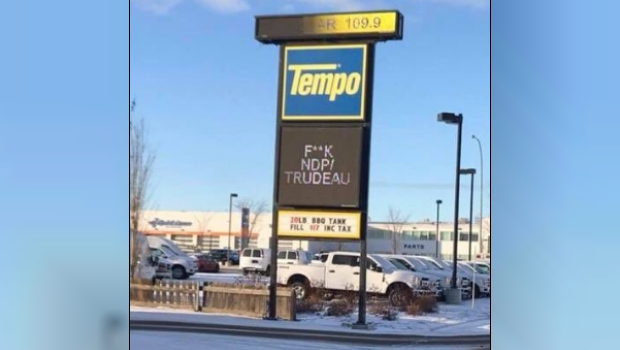 Trudeau NDP Tempo Sign Spruce Grove - Photo