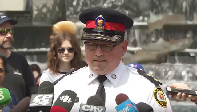 Toronto Police Downtown Unconfirmed Threat